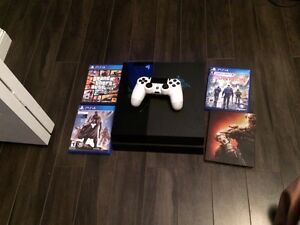 PS4 4 games and 1 controller
