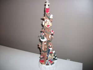tree with mice