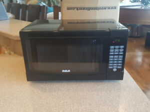 Black RCA Counter top Microwave