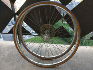 "27"" bike rims, with 5 speed freewheel"