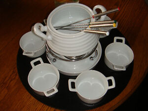 FONDUE SET FROM STOKES