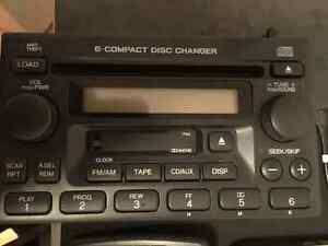 Honda OEM 2004 6 disc in dash radio CIVIC 99-00, CRV,Accord used