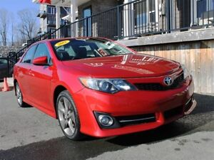 2012 Toyota Camry SE / 2.5L I4 / Auto / FWD / Sunroof / Leather