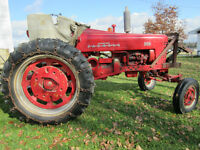 TRACTEUR FARMALL 300 (35 hp) avec/with SNOW PLOW