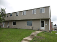 3-bedroom townhouse-5 minutes walking distance to U of R
