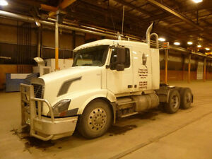 Volvo VNL Heavy Spec Sleep Highway Tractor UP FOR AUCTION