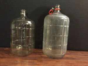 2 Glass Fermentation Carboys. Cap and Wine Corks included .