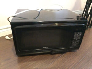 Perfect clean microwave $30