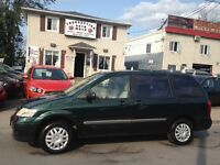 Mazda  MPV  2004 Stow go 7 passagers  taxes transit et garantie