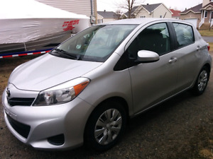 2014 Toyota Yaris LE with only 11 000 kms!
