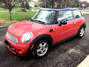 2011 Mini Cooper | 85k Mileage| Leather, Bluetooth, Automatic