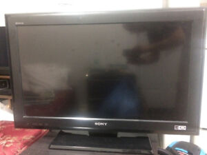 "Sony Bravia 32"" inch 720p LCD HD TV (READ DESCRIPTION)"