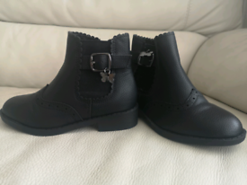 Girls size 10 black boots