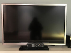 TV Sony Bravia et support mural  / Sony Bravia TV + wall mount