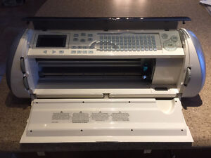 Cricut 24 inches personal electronic cutter - Provo Craft