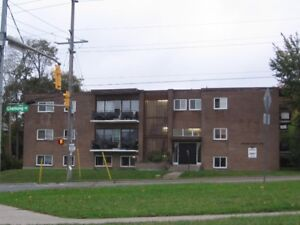 903 Chemong Rd, Peterborough, 2 Bdrms - 2 apartments available