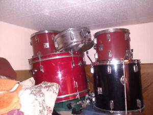 DRUMS, -- did I stutter?-- Drum Kit -- $400.00- Guelph