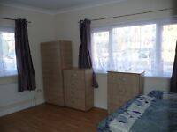 Nice room to share for a man to rent in Blackhorse Road, all bills included, free wifi, ID:234