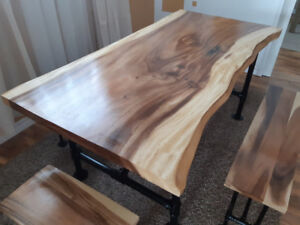 Live edge dining table & benches