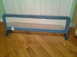 SAFETY BED RAIL/RAMPE DE LIT