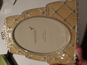 Papyrus wedding cake picture frame