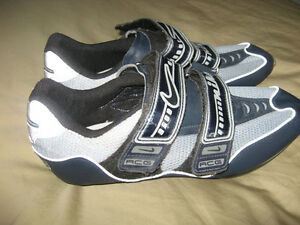 Nike road cycling shoes, men's size 7, EU 41 London Ontario image 1