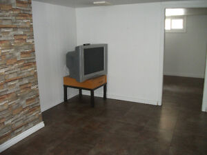 Basement room TO RENT FOR STUDENT close to UNIVERSITY