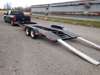 Low deck car hauler with winch