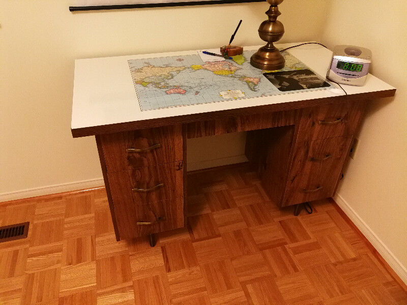 World Map Desk Desks Markham York Region Kijiji