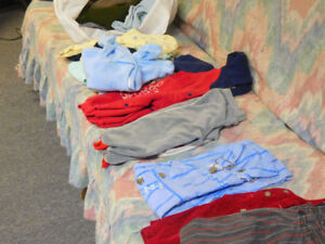 vêtements de bébés