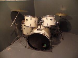 Drum Kit 5 pcs. Kit
