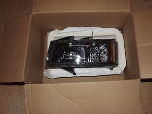 2005 Canyon GM OEM Head Light