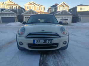 2012 Mini Cooper Hatchback*AUTO*SUNROOF*LEATHER