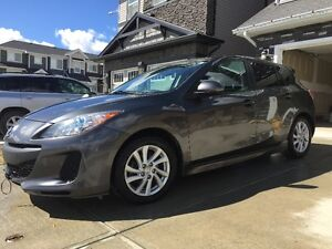 2012Mazda3 Sport GS-SKY Includes Full Bumper to Bumper Warranty!
