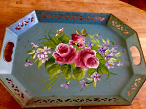 Beautiful Vintage Tole Tray