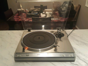 VINTAGE LXI TURNTABLE IN GREAT SHAPE!