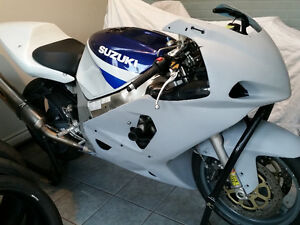 2001 GSXR 600 UPDATED Race/Track w/ clean title