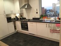Double Bedroom in Brand New Modern Flat in Erith Park