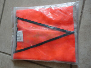 Brand new reflective safety vest one size fits all London Ontario image 2