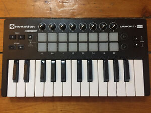 Novation Launchkey Mini - Like New, Original packaging