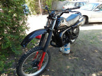 YAMAHA IT 250 (ENDURO) FONCTIONNEL