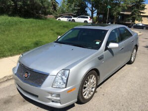 2011 Cadillac STS Leather / Luxury / Sunroof / Back Up Cam / AWD