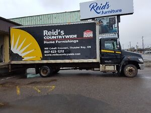 2010 HINO 258 DELIVERY TURCK WITH 20' CARGO BOX!