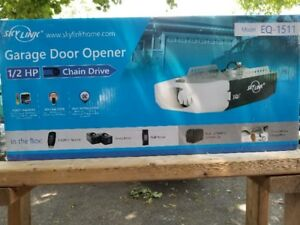 SKYLINK GARAGE DOOR OPENER 1/2 HP CHAIN DRIVE MODEL EQ-1511 $240