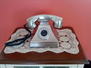 Téléphone style ancien