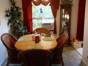 Large Room to Rent/Apartment to Share-With Fitness Centre/Pool London Ontario image 3