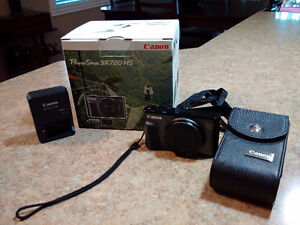 Canon SX720HS Powershot Camera - 40X Zoom