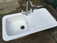 White ceramic sink inc taps FREE now cleaned up