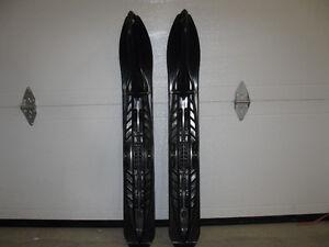 Polaris - 2 Skis neufs pour motoneige