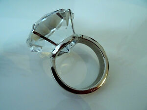 diamonds GIRL'S BEST FRIEND glass crystal napkin ring holders x4 Kitchener / Waterloo Kitchener Area image 4
